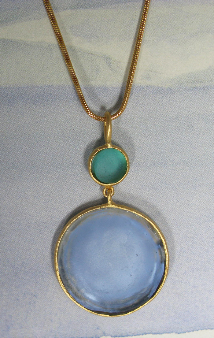 Round Cast Glass Necklace in Blue-Teal